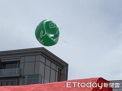長榮綠氣球掛9天破了!