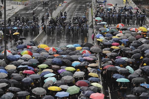 反送中後首度發聲!中聯辦主任:北京堅定支持林鄭月娥「繼續依法施政」