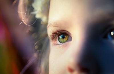 治療近視致左眼失明 醫判賠903萬