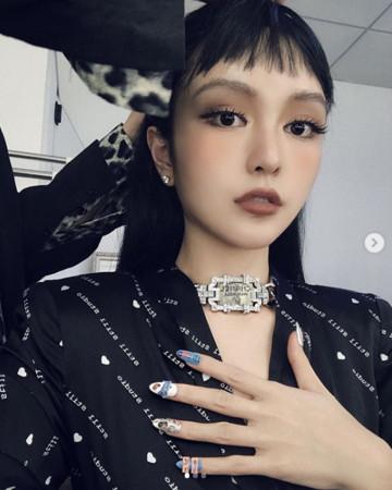 ▲▼周揚青「耳下3CM」短髮照曝光!(圖/翻攝自Instagram/gracechowwwww)