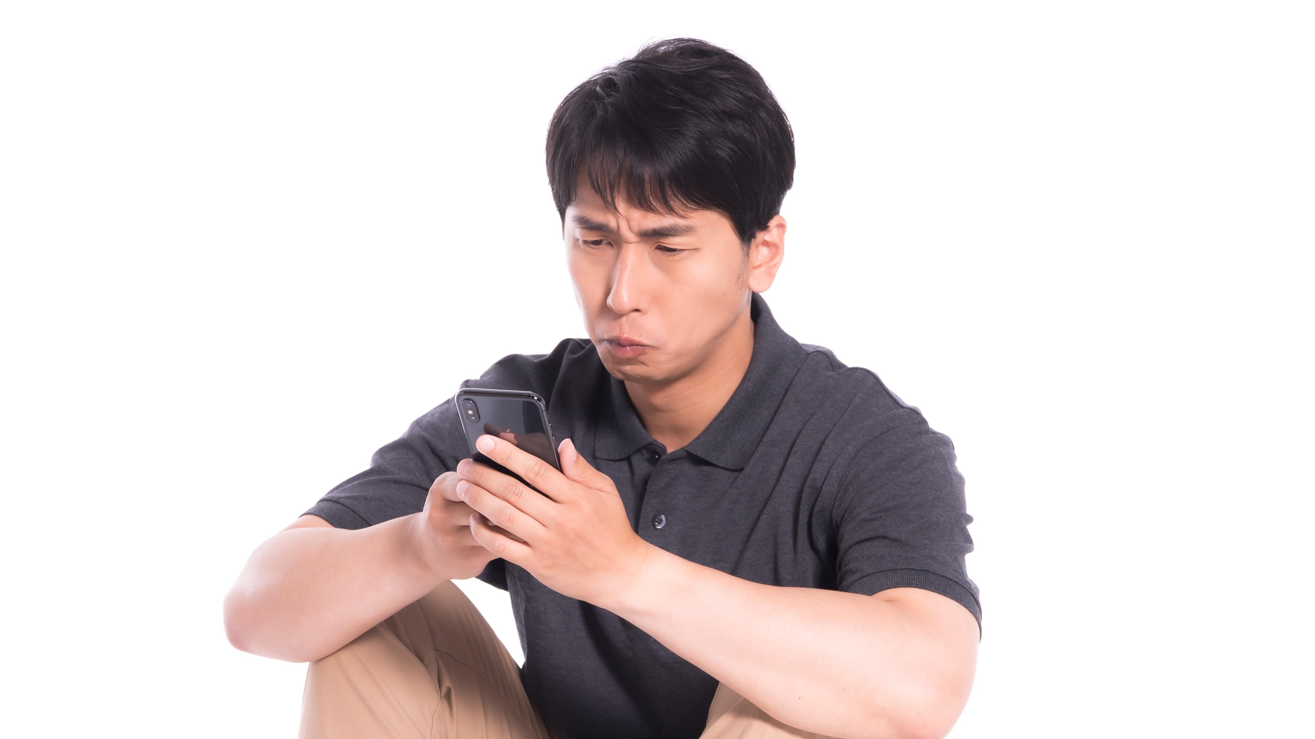 ▲手機,社群軟體,傳訊息。(圖/取自免費圖庫Pakutaso)