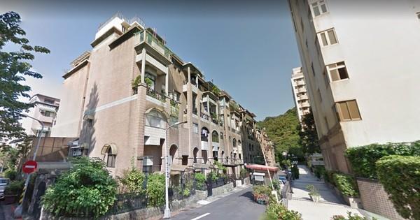 ▲▼10年前兇殺宅,「天母芝園」,台北市士林區德行東路358巷30弄12號,4樓遭到法拍。(圖/翻攝自Google Map)