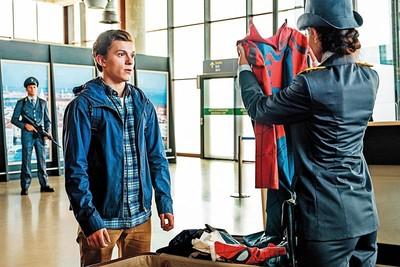 《蜘蛛人:離家日》特效炫目!可惜變「鋼鐵人外傳」?