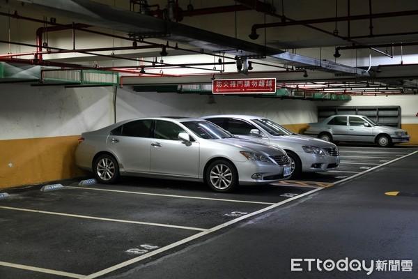 ▲▼五分埔公園地下停車場使用率低。(圖/記者湯興漢攝)
