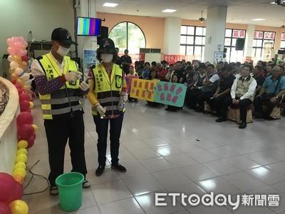 黃偉哲請警察與五力宣導消滅登革熱
