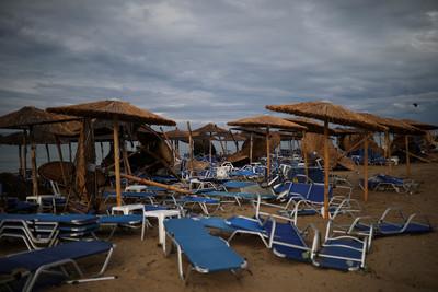 希臘高溫刮「冰雹」 20分鐘釀6死