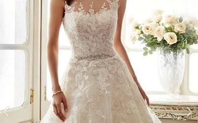 新郎跟婚企跑了 新娘賣無緣白紗