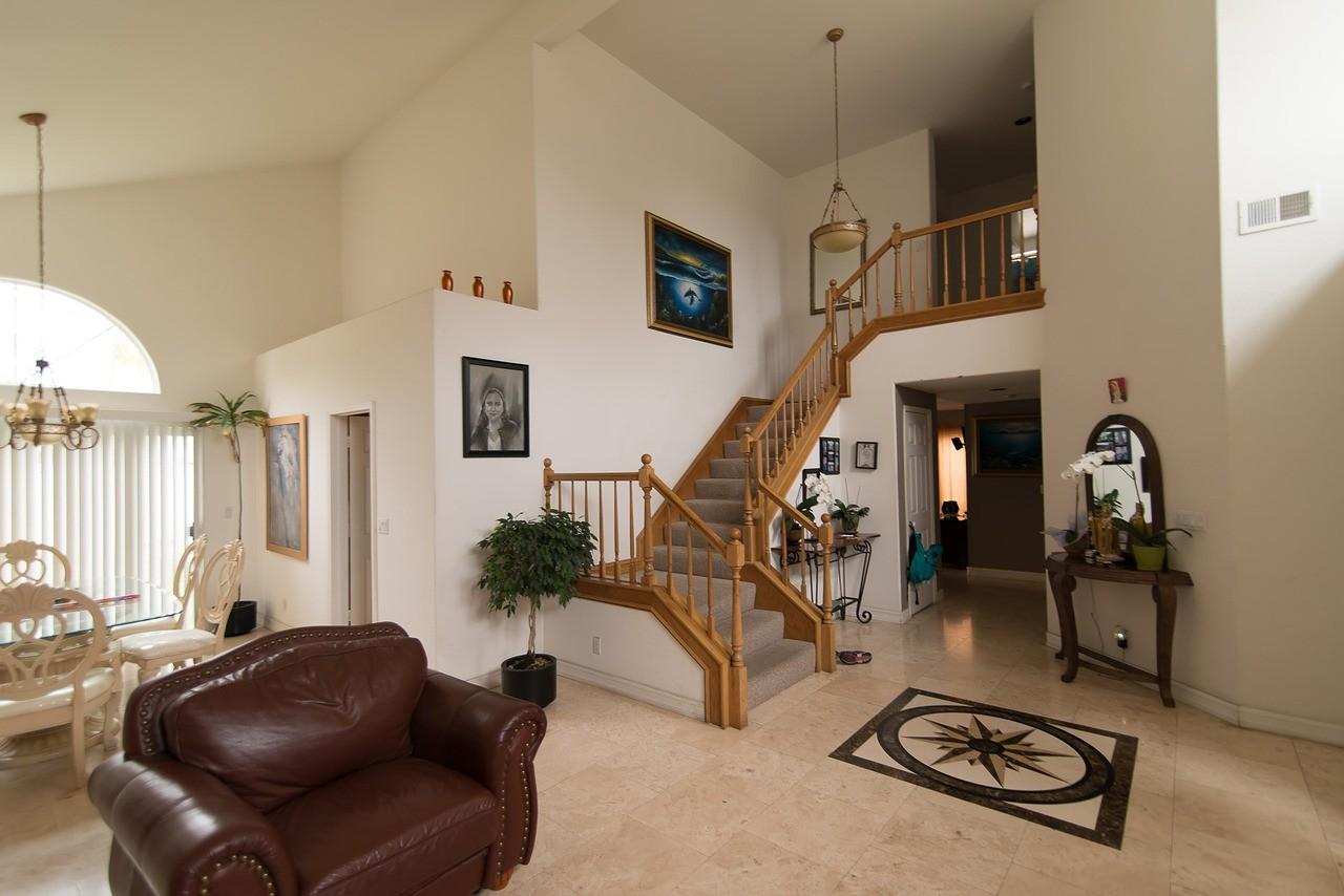 ▲▼樓梯,透天厝,客廳,室內裝潢。(圖/pixabay)