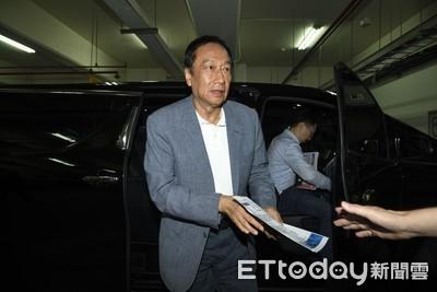 獨派民調/民眾黨支持者六成挺郭選總統