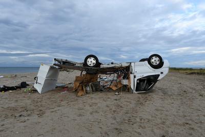 狂風襲希臘6死 掀翻厚重玻璃窗