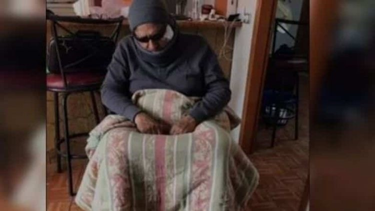 ▲▼ 市長扮演殘疾人士。(圖/翻攝自YouTube)