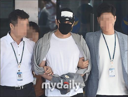 姜至奐遭上銬現身! 向爆性侵女職員道歉:作為哥哥對不起她們