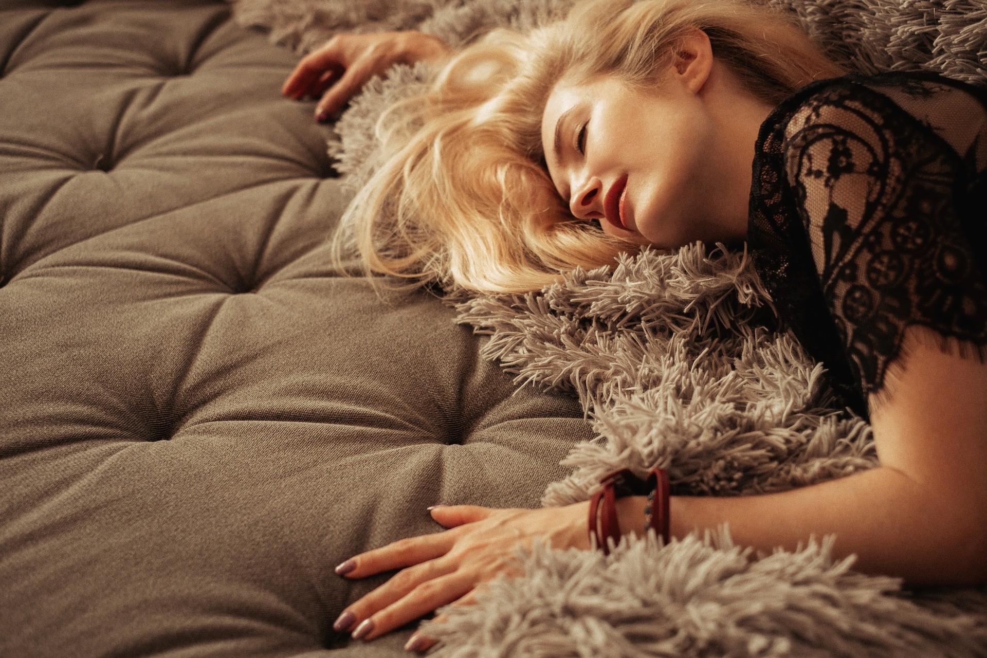 ▲女人,睡覺,女生,享受。(圖/取自免費圖庫Pixabay)