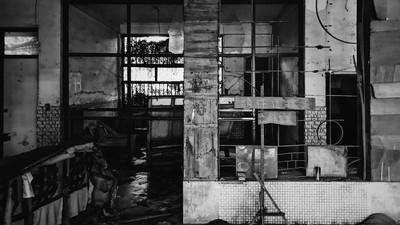 員林試膽勝地「鬼屋醫院」廢棄20餘年 在地人:遊客夜半大小聲