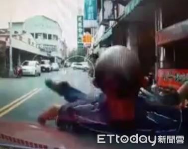 南投碰瓷男自躺引擎蓋製造假車禍