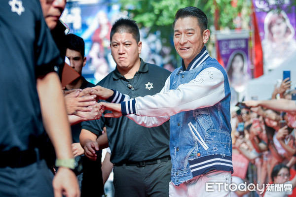 ▲▼導演邱禮濤、影帝劉德華出席《掃毒2》西門町封街粉絲會。(圖/記者張一中攝)