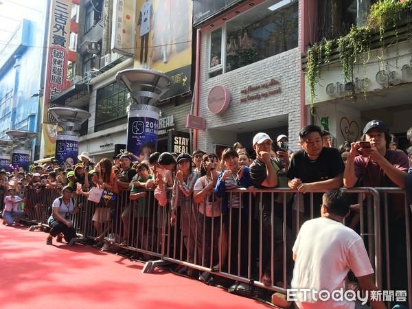 ▲▼導演邱禮濤、影帝劉德華出席《掃毒2》西門町封街粉絲會。(圖/記者洪文攝)