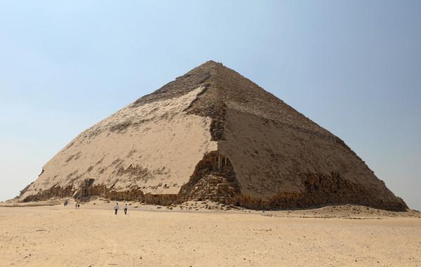 尘封54年开放!埃及揭4619年古老金字塔神秘面纱