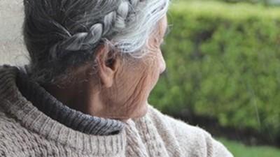 單親拉拔2兒長大 96歲嬤「被騙進安養院」 天天哭打電話求鄰居:帶我回家好嗎?