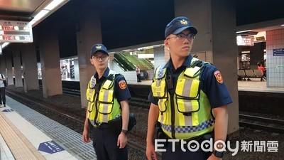 火車11:40鳴笛悼念李承翰 旅客敬禮致敬