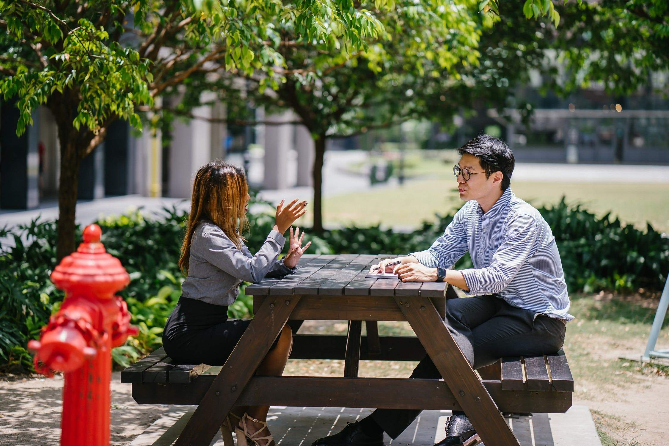 ▲▼聊天,交談,對話。(圖/取自免費圖庫Pexels)