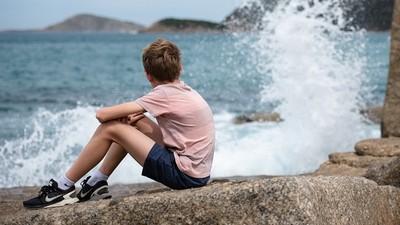「生出一個自閉症」乾脆不要了!惡父母4度棄養10歲兒 他心死拒認親