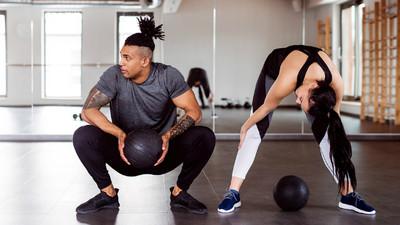 運動靠想像力!健身老鳥私授「鍛鍊4大心法」:臥推時,幻想和怪獸對抗