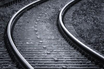 他探頭被撞死 鐵路公司遭罰千萬