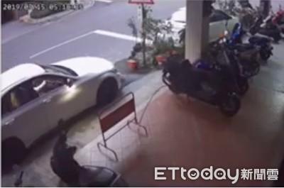 賓士車被破窗偷走 車主貼文急尋:懸賞50萬
