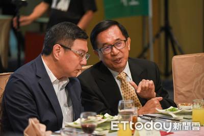 卓榮泰現身北社募款餐會先找陳水扁聊策略