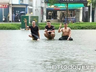 鳳山慘淹 驚見「威尼斯水上咖啡廳」