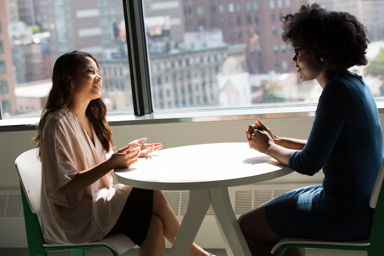 ▲聊天,溝通,諮商,交談,談事情。(圖/取自免費圖庫Pexels)