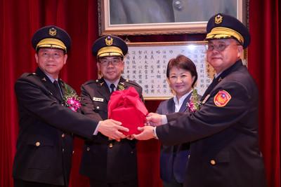 14名警官異動 盧秀燕:維護治安也要注意安全