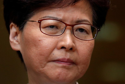 攜港警高層直面記者 林鄭月娥:暴力只會助長更多的暴力