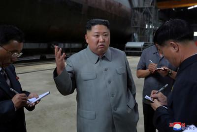 金正恩視察新潛艇 將投入日本海