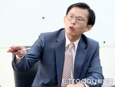 關鍵證物都在華航 黃國昌轟:檢調到底在等什麼?