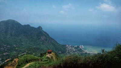 全家大小能輕鬆登頂!新北瑞芳「無耳茶壺山」 一覽陰陽海絕景