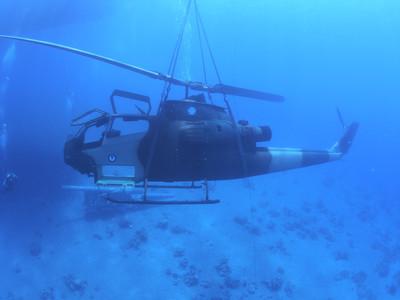 眼鏡蛇丟水中!約旦打造海底軍事博物館