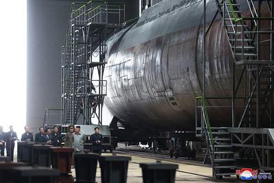 衛星照曝北韓新潛艇即將下水