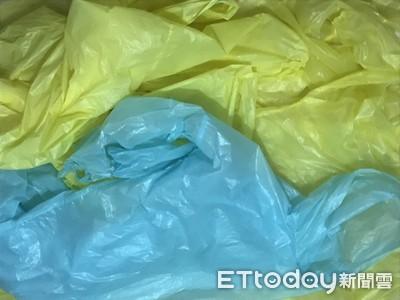 輕便雨衣可回收 用完丟垃圾桶環境負擔大
