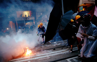 香港警民衝突頻傳 「監警會」半年內公布調查報告