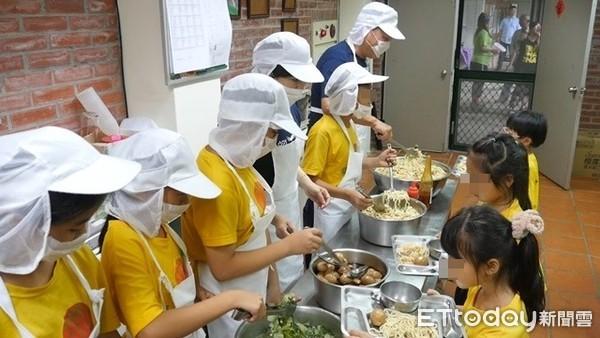 ▲ 營養午餐,學童,中央餐廚,食品衛生。(圖/記者謝婷婷攝)