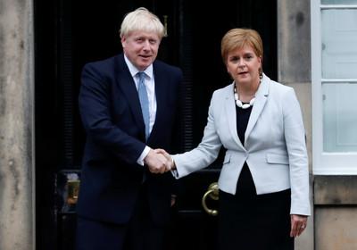 強生首訪蘇格蘭遭批「帶來災難」