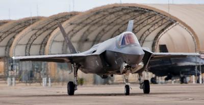 土耳其防長打臉總統:期待買美國戰機
