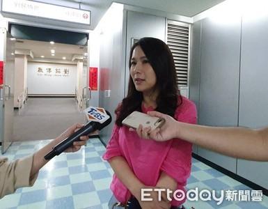 劉宥彤悄赴北市府開會:沒跟柯文哲聊到天