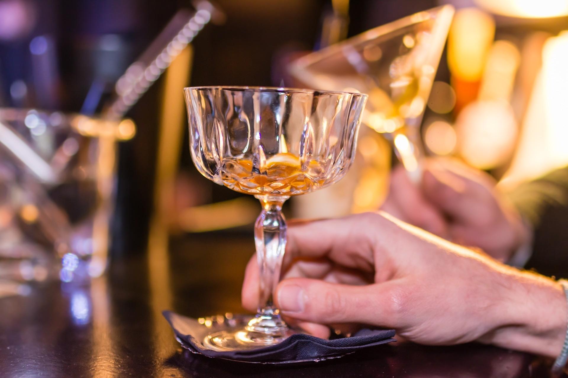 ▲喝酒,酒店,夜店,酒吧,酒。(圖/取自免費圖庫Pixabay)