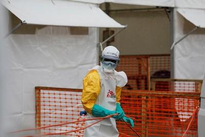 日70歲婦高燒39.2度 疑染伊波拉