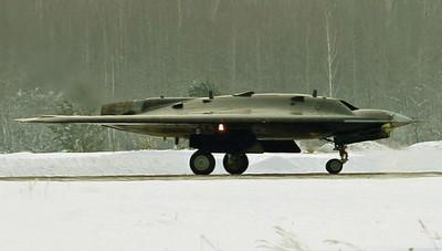 俄羅斯獵人-B首次與蘇-57共飛