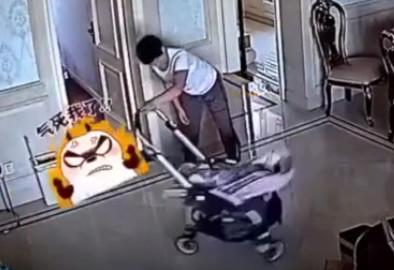寶寶狂哭!褓母推嬰兒車「轉圈+撞牆」