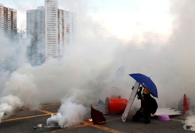 陸國務院:香港面臨回歸以來最嚴峻局面